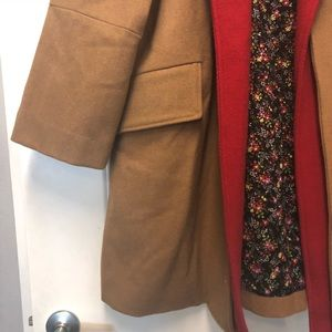 picked up beauty Discover Oversized trendy camel coat with red collar NWT